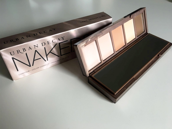 naked contour poudre.jpg